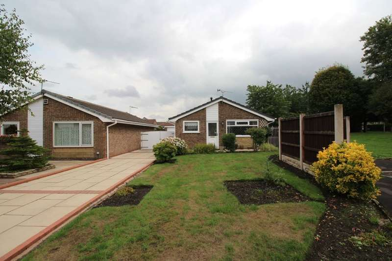 3 Bedrooms Detached Bungalow for sale in Almond Close, Penwortham, Preston, PR1