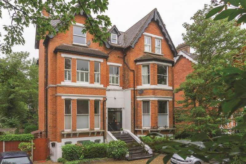3 Bedrooms Flat for sale in Gipsy Hill, SE19