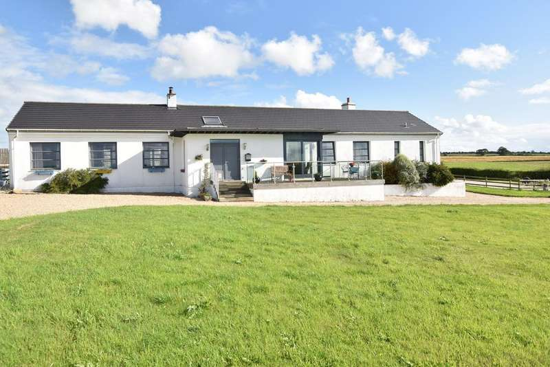 4 Bedrooms Detached Bungalow for sale in Lochlea View Lochlea, Craigie, KA1 5NN