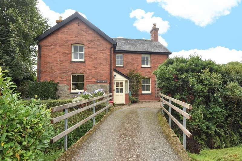 3 Bedrooms Detached House for sale in Hay on Wye 6 miles, West Herefordshire, HR3