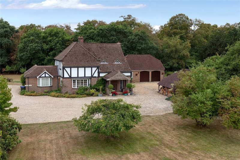 4 Bedrooms Detached House for sale in Parish Lane, Farnham Common, Buckinghamshire, SL2