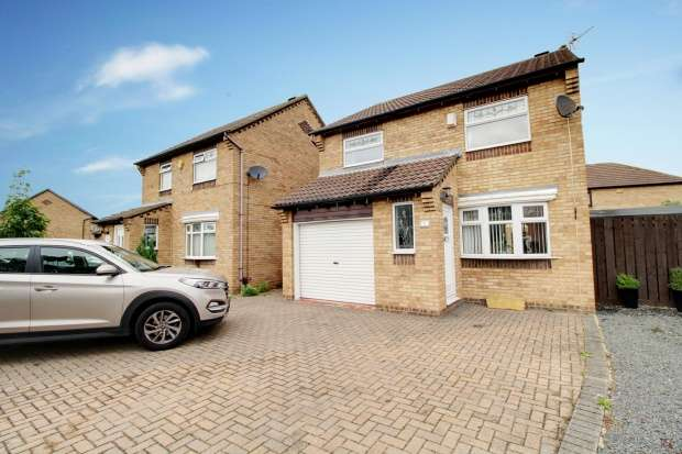 3 Bedrooms Detached House for sale in Springwell Close, Billingham, Cleveland, TS23 3FB