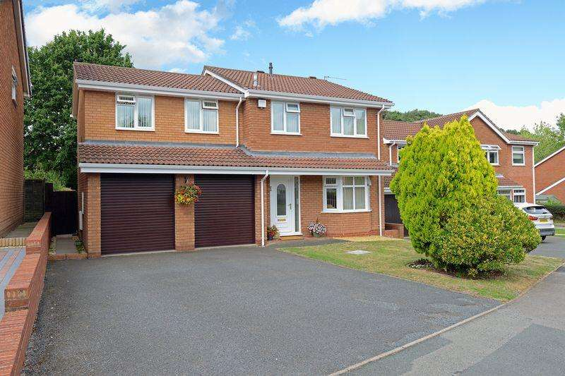 4 Bedrooms Detached House for sale in Lees Farm Drive, Madeley, Telford, Shropshire.