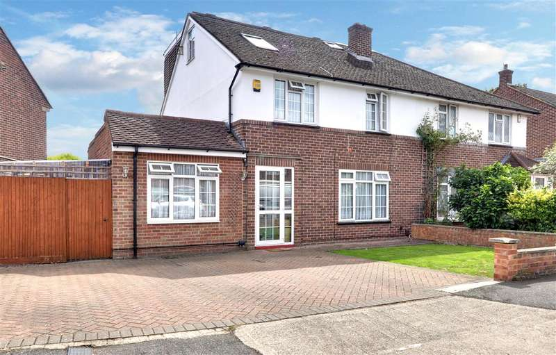 5 Bedrooms Semi Detached House for sale in Lodge Close, Cowley