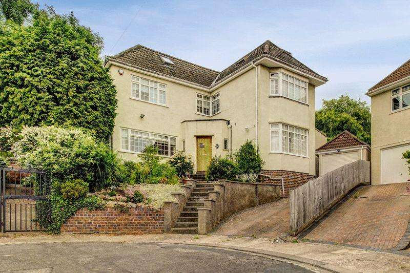 5 Bedrooms Detached House for sale in Falcon Close, Westbury-on-Trym