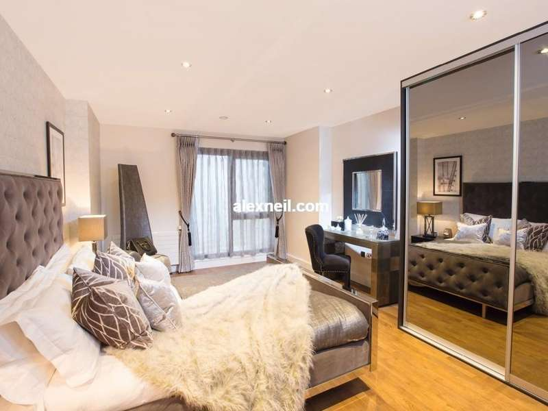 1 Bedroom Flat for sale in Phoenix, Limehouse Cut E14