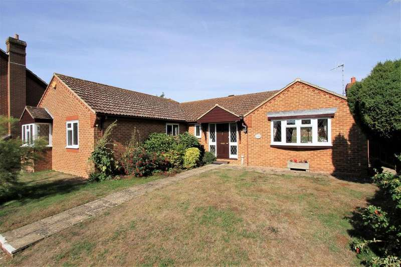 4 Bedrooms Detached Bungalow for sale in Grand Avenue, Seaford