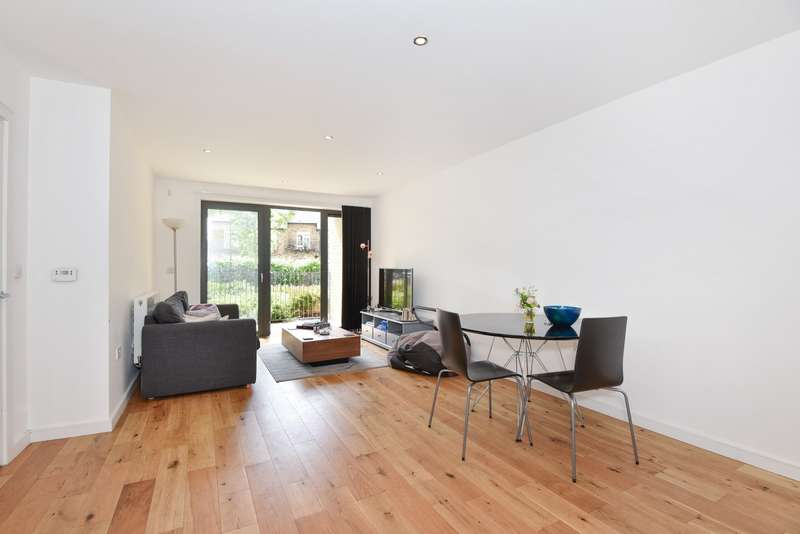 2 Bedrooms Flat for sale in Cowley Road, Oval Quarter, Oval, SW9
