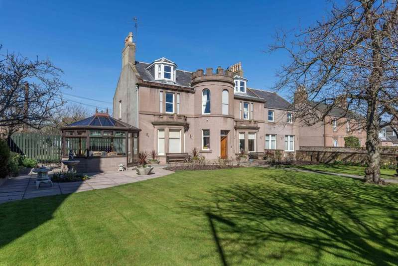 13 Bedrooms Detached House for sale in King Street, Montrose
