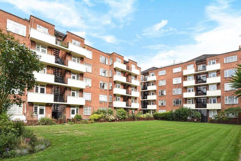 2 Bedrooms Flat for sale in Eamont Court, St Johns Wood, NW8, NW8