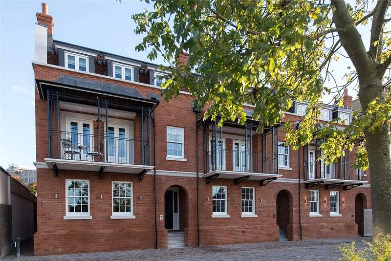 4 Bedrooms End Of Terrace House for sale in Goring House, Windsor, Berkshire, SL4