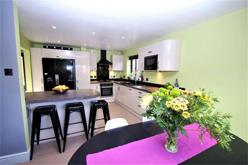 4 Bedrooms Detached House for sale in Granville Way, BRIGHTLINGSEA
