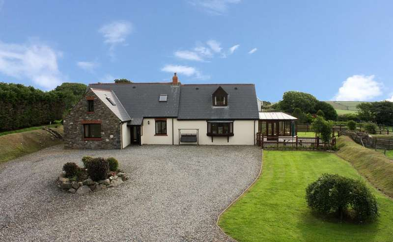 4 Bedrooms Detached House for sale in The Granary, Croesgoch