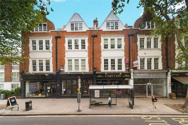 3 Bedrooms Flat for sale in Chiswick High Road, London