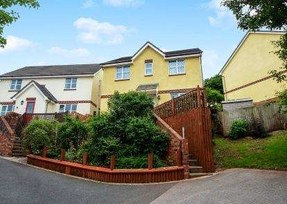 4 Bedrooms Detached House for sale in Paignton