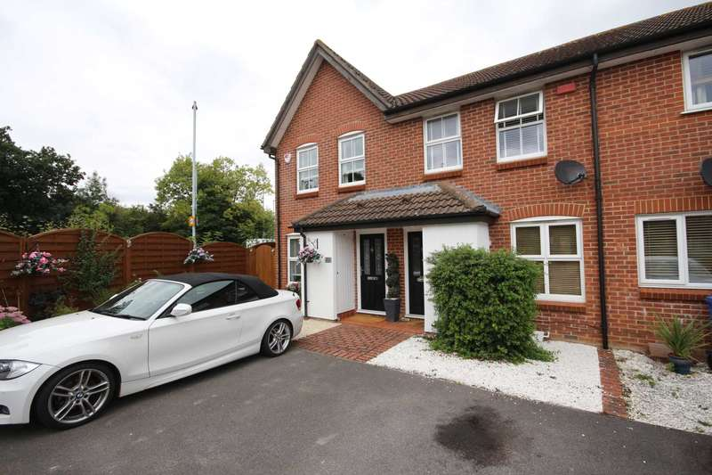 2 Bedrooms Terraced House for sale in Mary Mead, Warfield
