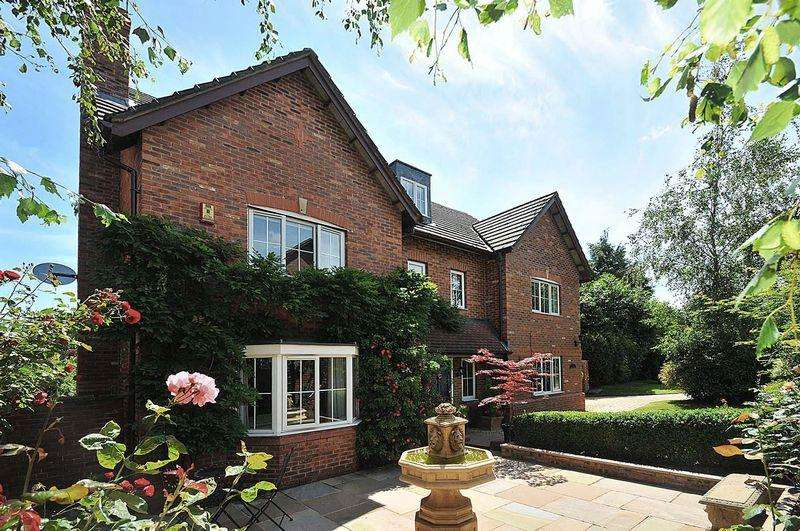 6 Bedrooms Detached House for sale in Quaintways, Hartford
