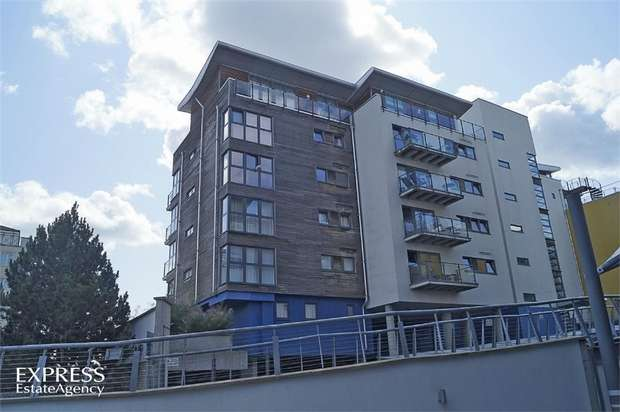 3 Bedrooms Flat for sale in 1 Midway Quay, Eastbourne, East Sussex