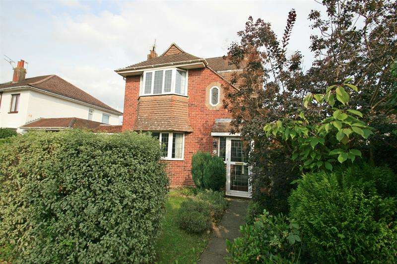 3 Bedrooms Detached House for sale in Manor Close, Havant