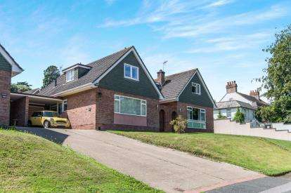 4 Bedrooms Bungalow for sale in St Thomas, Exeter