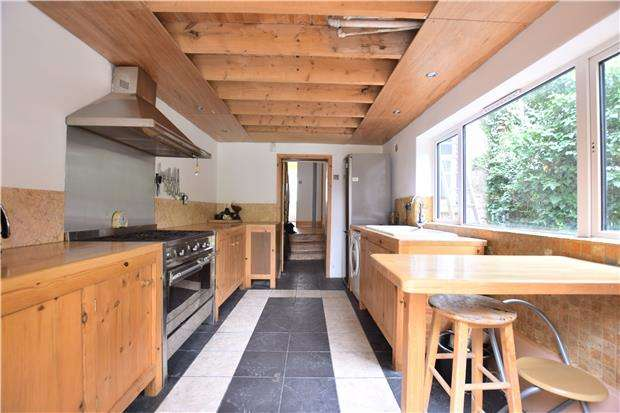 4 Bedrooms Terraced House for sale in Wellington Street, GLOUCESTER, GL1 1RD