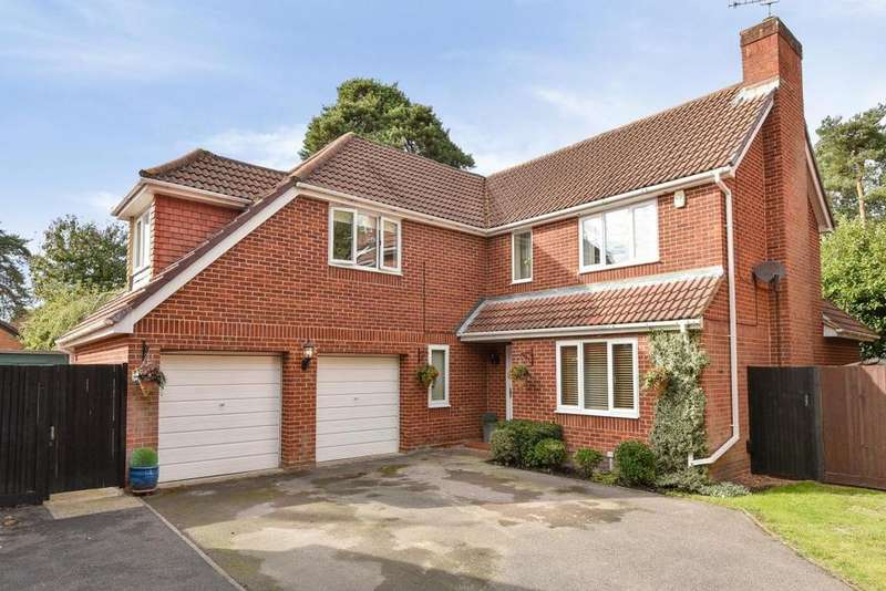 4 Bedrooms Detached House for sale in Frimley, Camberley, GU16