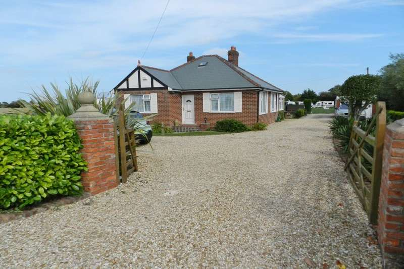 2 Bedrooms Detached Bungalow for sale in Mablethorpe Road, Theddlethorpe, Mablethorpe, LN12