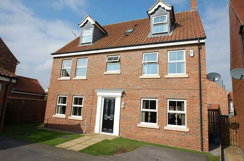 7 Bedrooms Property for sale in Lullingstone Crescent Ingleby Barwick, Stockton-On-Tees