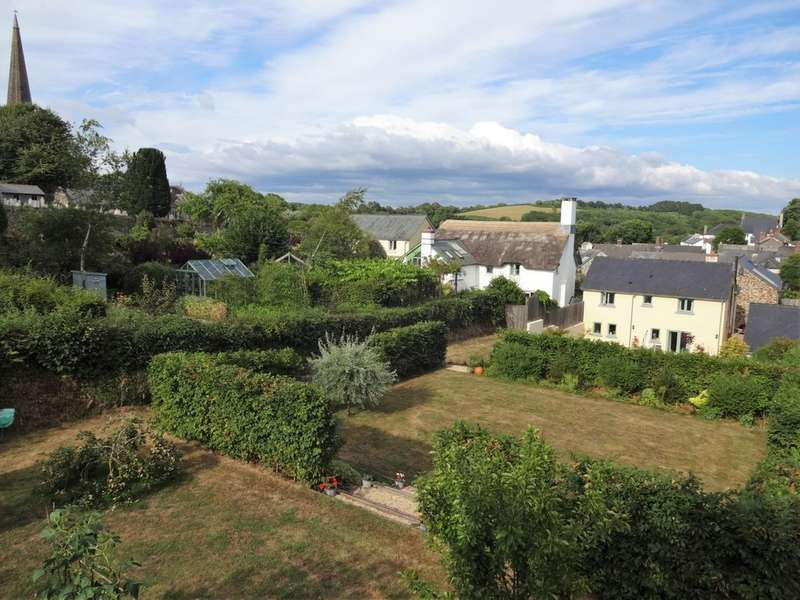 4 Bedrooms Semi Detached House for sale in Masons Yard, Holbeton, South Devon