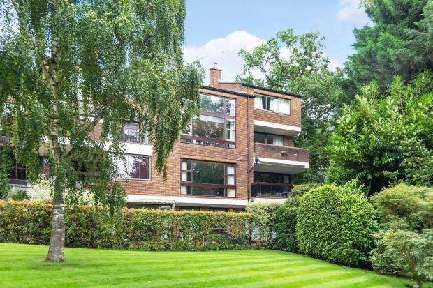 2 Bedrooms Flat for sale in Highgate West Hill, Highgate, London, N6