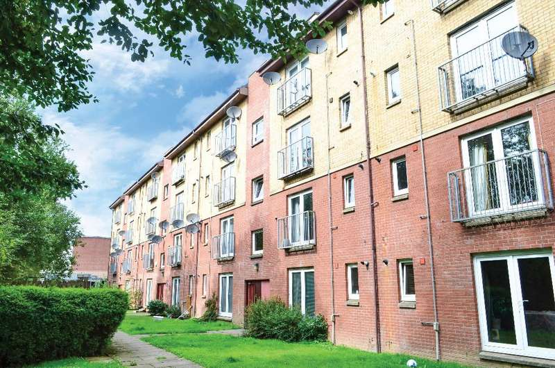 2 Bedrooms Flat for sale in Curle Street, Flat 1/2, Whiteinch, Glasgow, G14 0SA