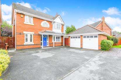 5 Bedrooms Detached House for sale in Pendle Gardens, Culcheth, Warrington, Cheshire