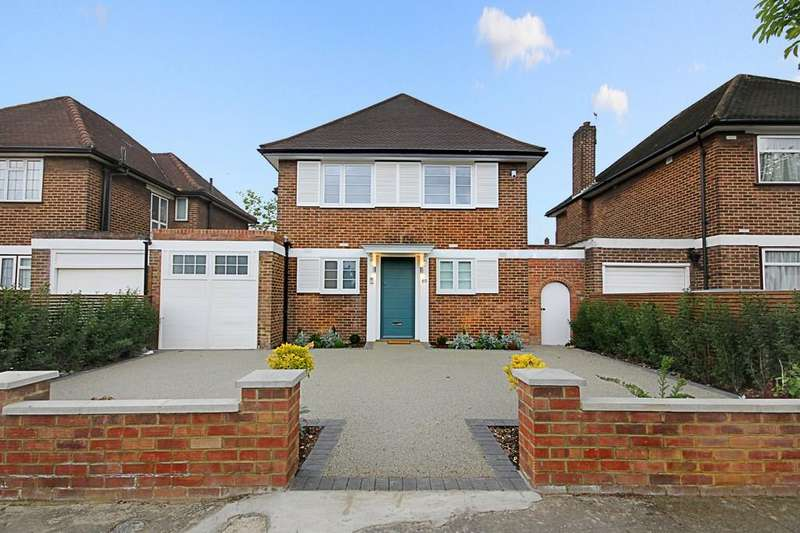 5 Bedrooms Detached House for sale in Corringway, London