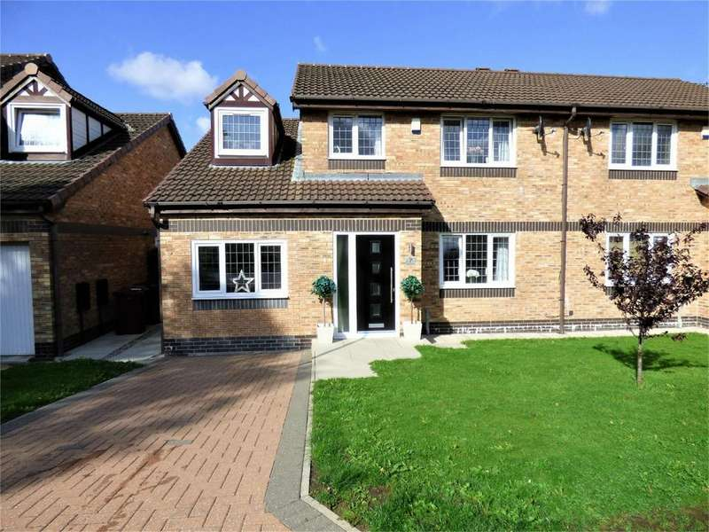 4 Bedrooms Semi Detached House for sale in Bank Hey View, BLACKBURN, Lancashire