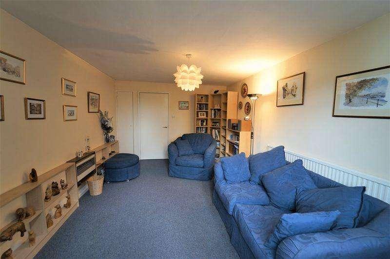1 Bedroom Apartment Flat for sale in Burlington Close, London
