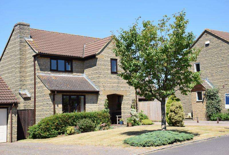 4 Bedrooms Detached House for sale in THE PADDOCKS, MOSTERTON, BEAMINSTER