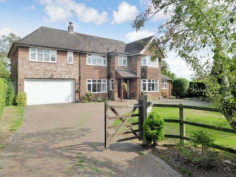 4 Bedrooms Detached House for sale in Peddars Lane, Stanbridge