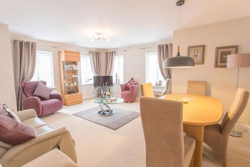 2 Bedrooms Apartment Flat for sale in High Grove Avenue, Ascot, Berkshire, SL5 7HR