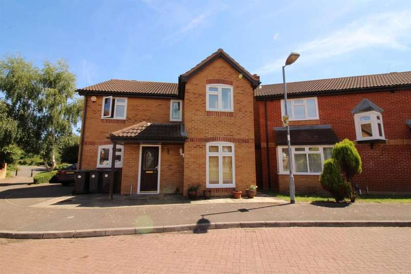 4 Bedrooms Detached House for sale in Blanchard Grove, Enfield
