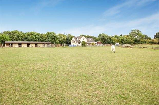 4 Bedrooms Detached House for sale in Station Road, Ardley, Oxfordshire. OX27 7PQ