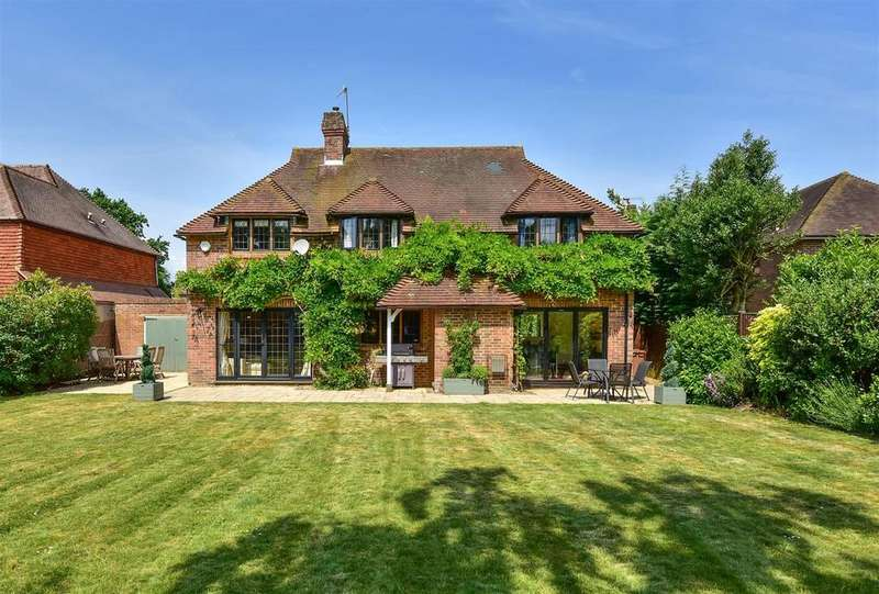 5 Bedrooms House for sale in Farm Lane, East Horsley