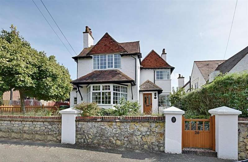5 Bedrooms Detached House for sale in Rotherfield Avenue, Bexhill-On-Sea