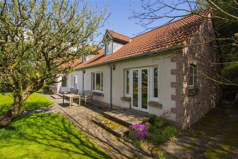5 Bedrooms Detached House for sale in Holly Cottage, Blebo Craigs, Fife, KY15