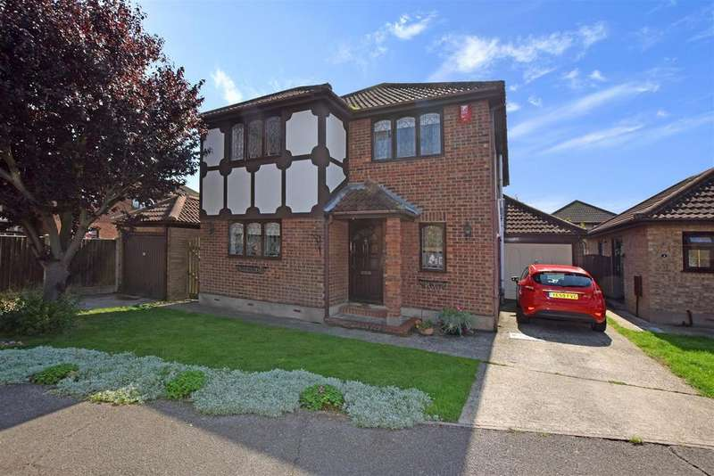 4 Bedrooms Detached House for sale in Beecroft Crescent, Canvey Island
