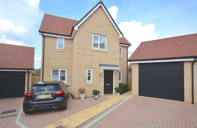 4 Bedrooms Detached House for sale in Mill Park Drive, Braintree, CM7