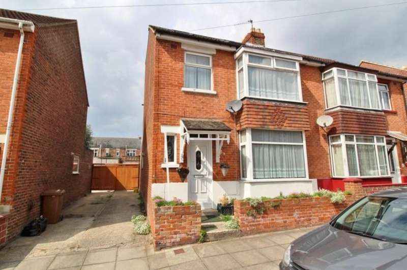 4 Bedrooms Semi Detached House for sale in Dean Road, Cosham