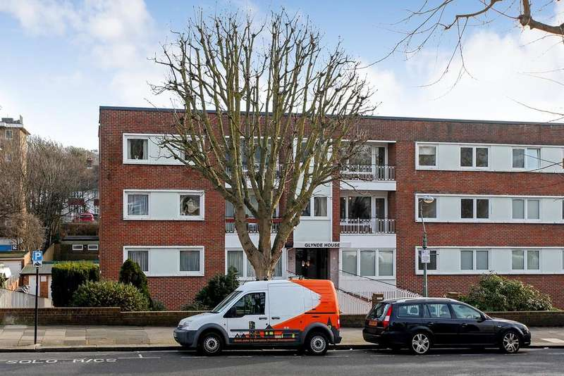 2 Bedrooms Flat for sale in Palmeira Avenue, Hove, BN3