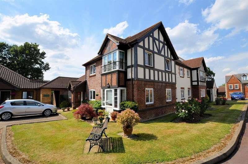 1 Bedroom Retirement Property for sale in Buckingham Terrace, Pegasus Court, Reading
