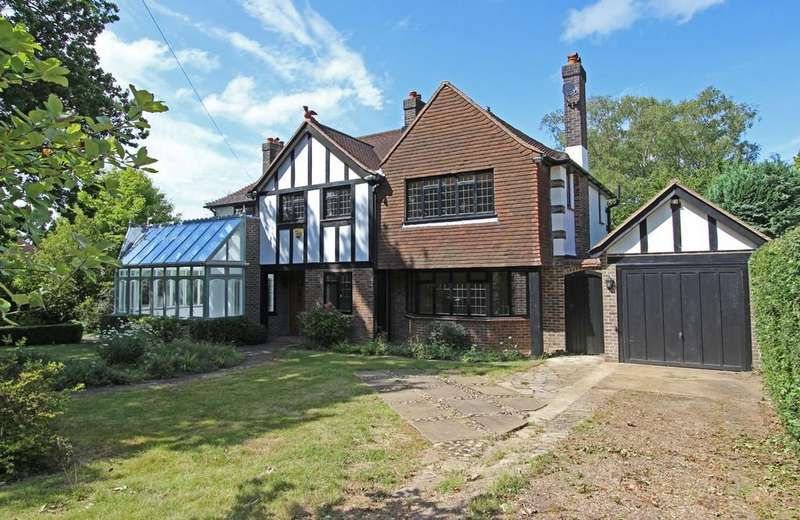 5 Bedrooms Detached House for sale in Bouverie Road, Chipstead