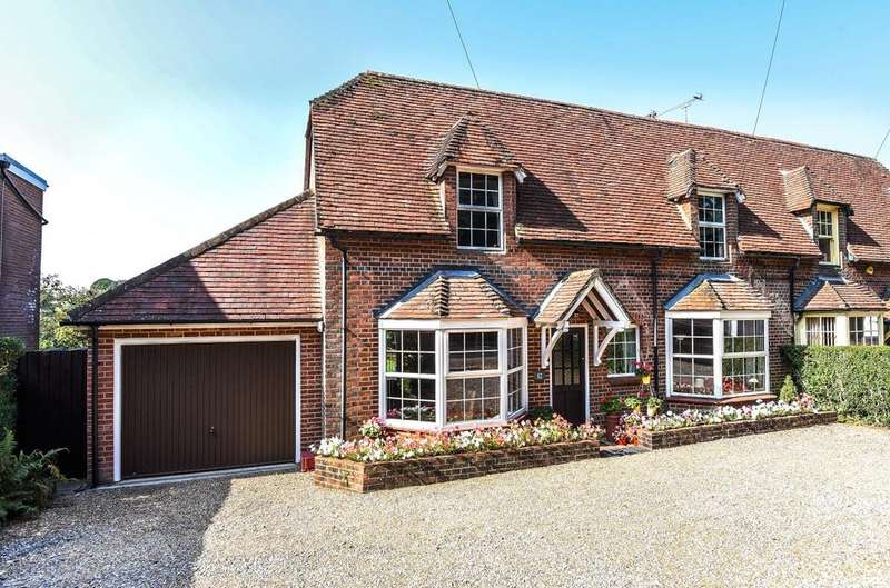3 Bedrooms Semi Detached House for sale in Whichers Gate Road, Rowlands Castle, PO9